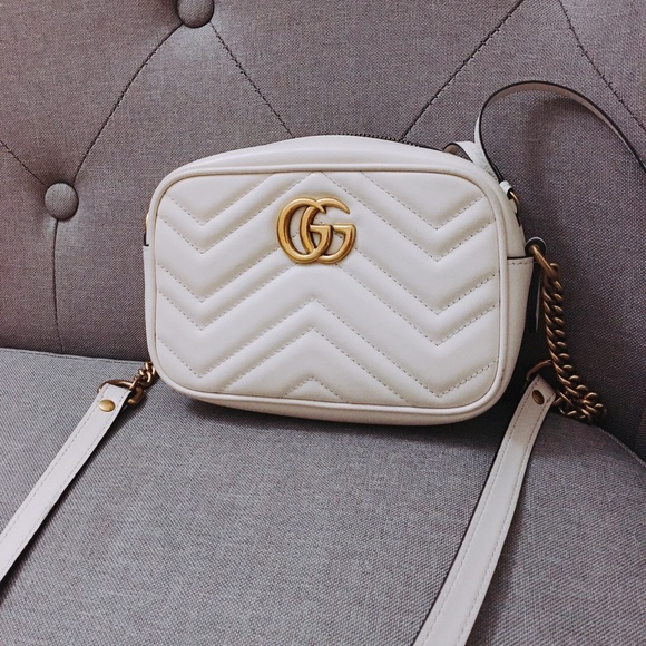 b4abcc9a64e Gucci Handbags - Gucci marmont small crossbody white auth!